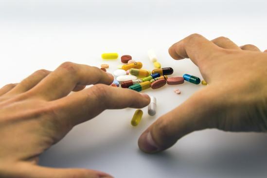 Arzneimittel bei älteren Menschen: Geriater stellen neue App vor