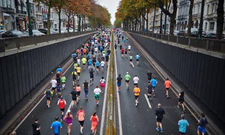 Technische Unterstützung beim Laufen – Studie zeigt, wer Fitness-Tracker nutzt