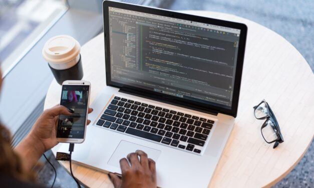 Studie zeigt: Ständig online zu sein, kann krank machen