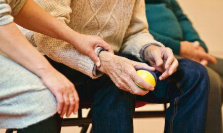 Besuch im Pflegeheim trotz Corona – App hilft bei der Besuchsplanung